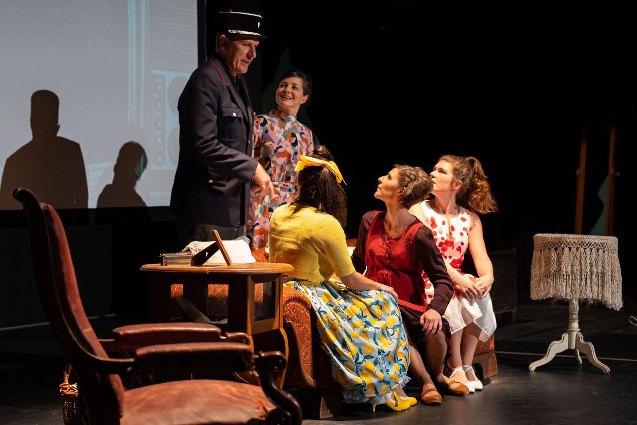 La troupe de théâtre franco-allemande BAAL Novo.