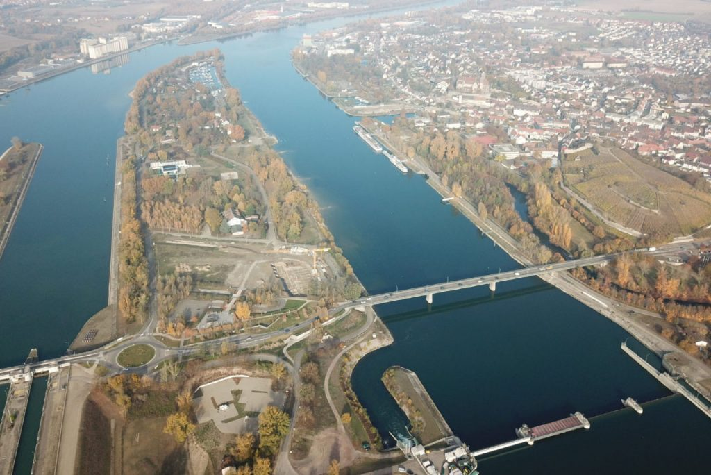 Wichtige Verbindung: die Rheinbrücke Breisach.