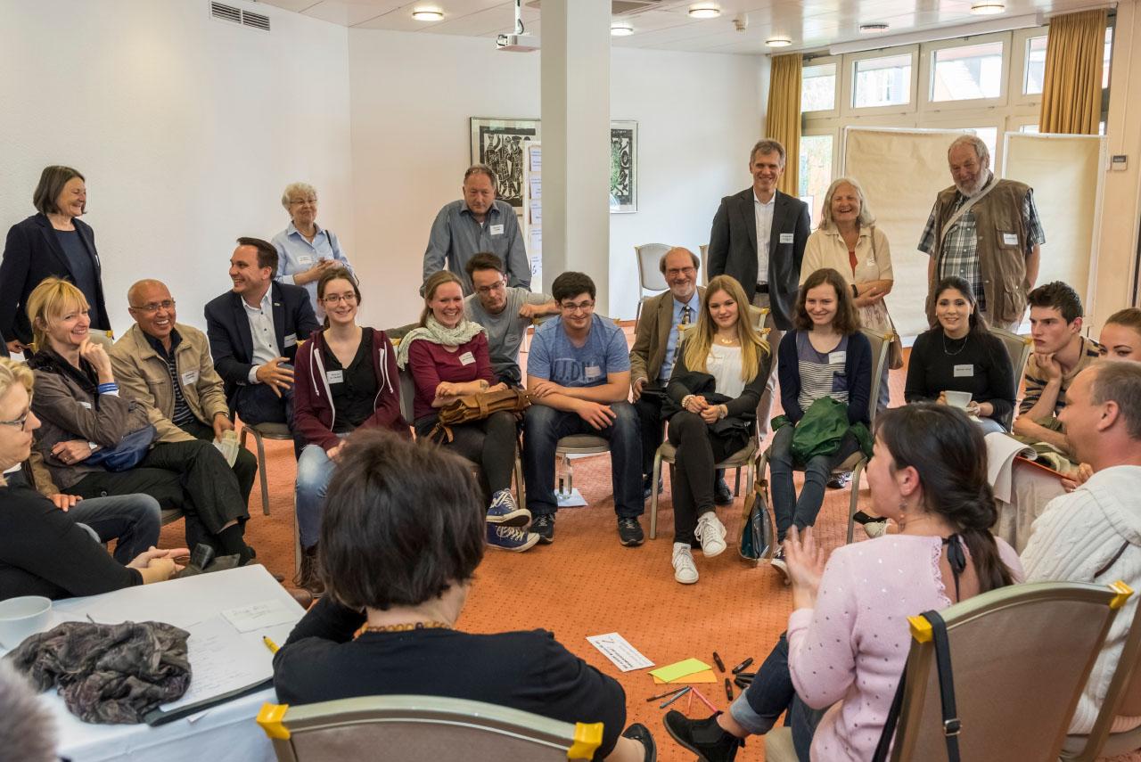 Discussion ouverte à l'occasion d'une consultation citoyenne à Baden-Baden.